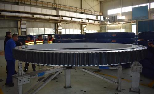 瓦轴公司研制转盘轴承